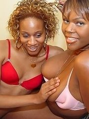 Tranny poses with chubby black babe