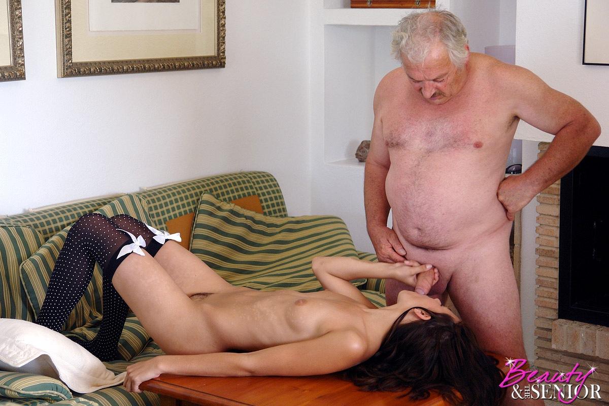 starie-seks-muzhchini-s-molodoy-devushkoy