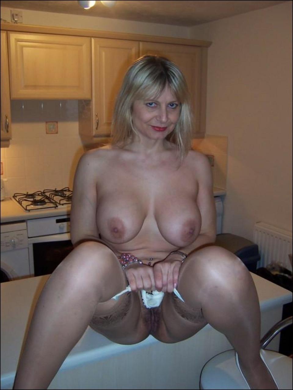 Фото порно голой мамы 22 фотография