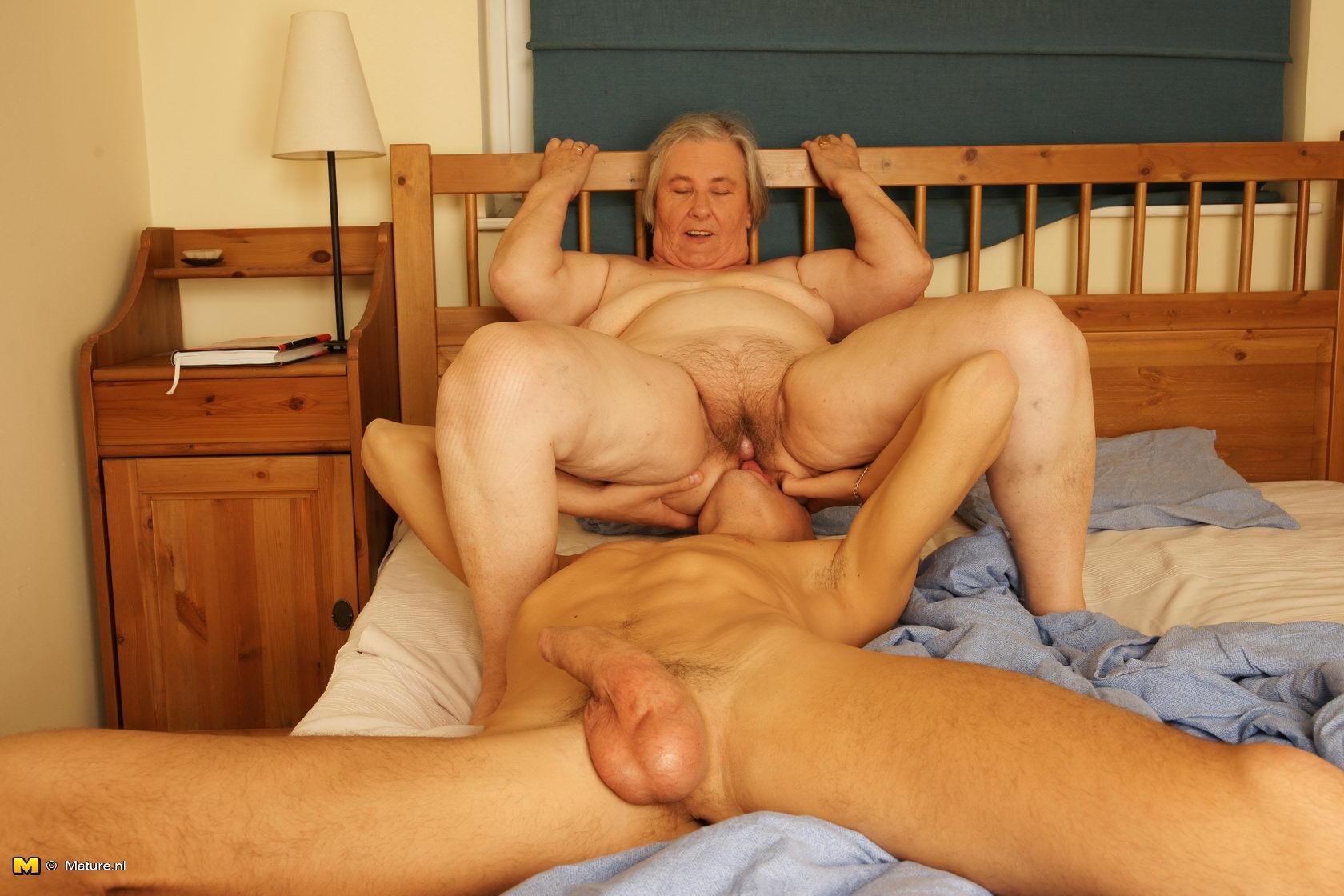 Секс со старыми и худыми 9 фотография