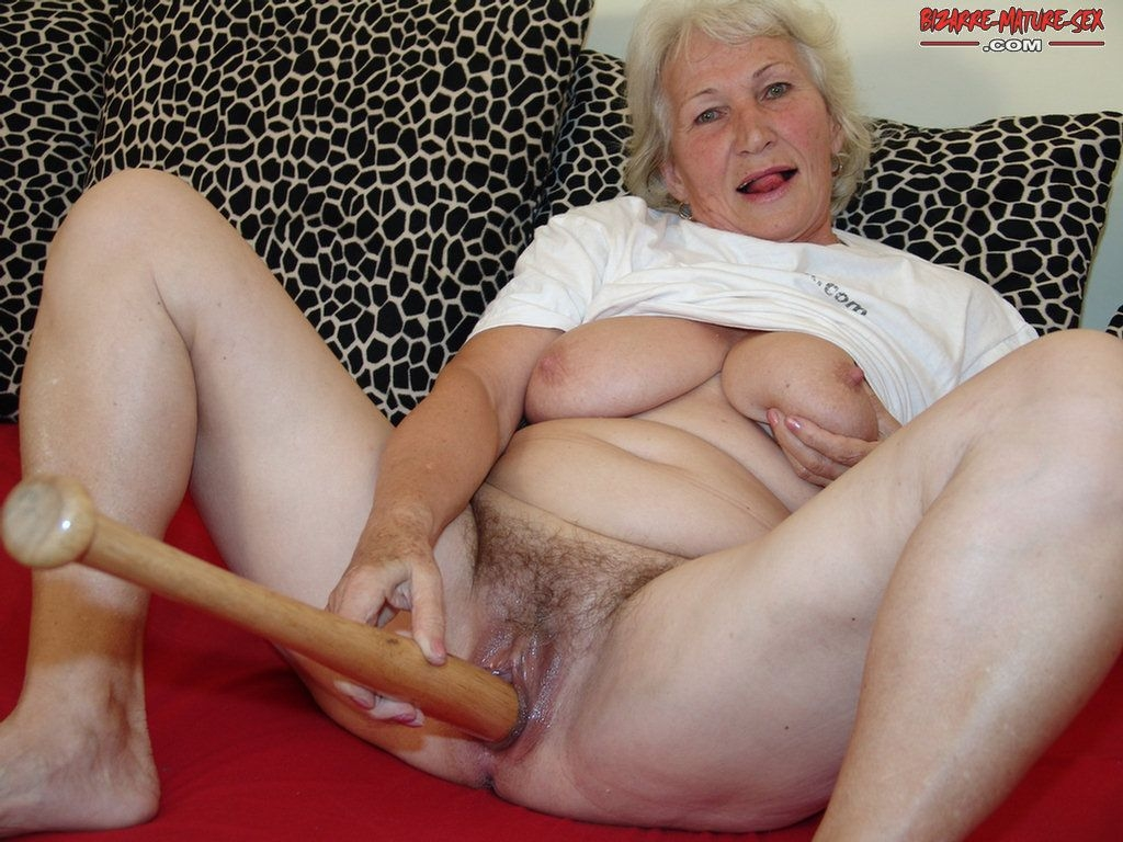 фото бабушек эротические