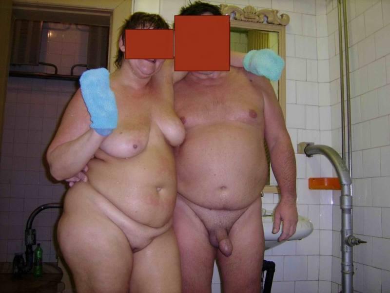 porno-russkaya-pishka-v-saune