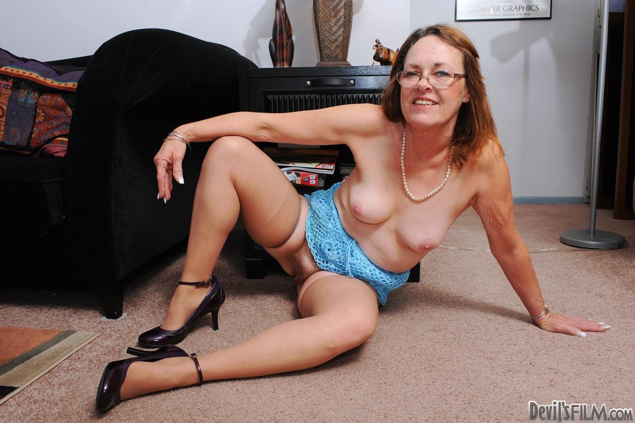 Порно фотки старушка фото 233-274