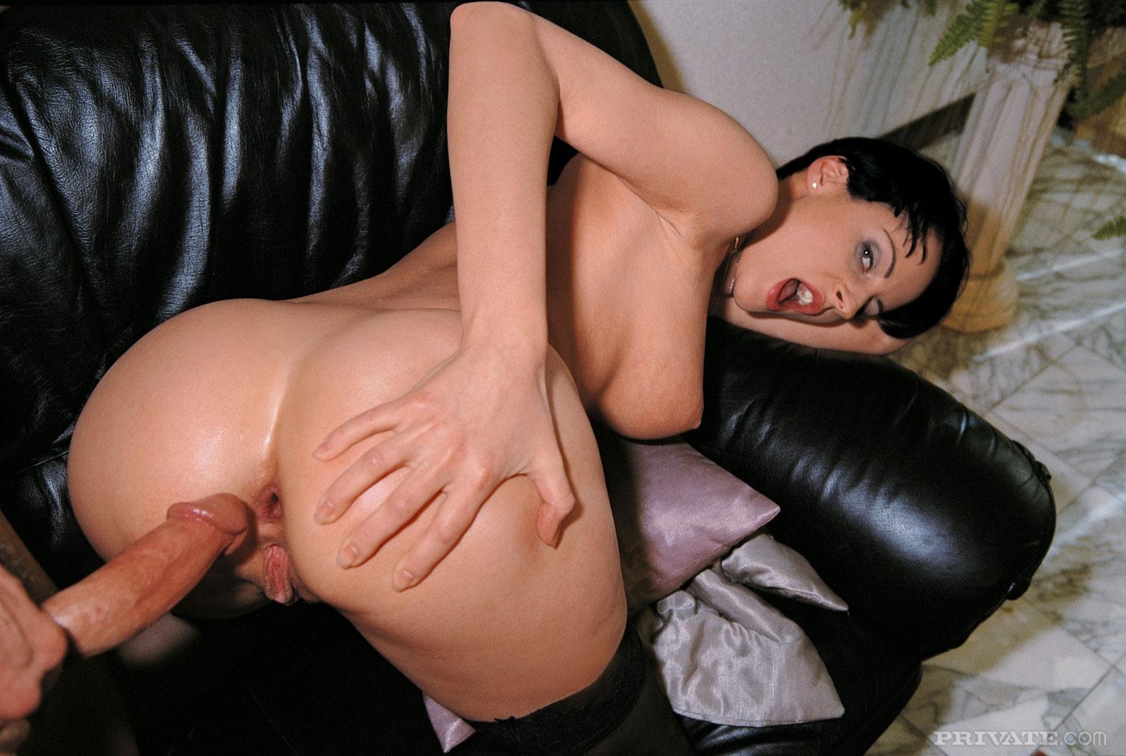 Секс с кумой в сарае 21 фотография