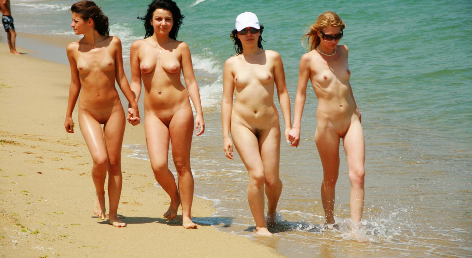 Семья на нудистском пляже фото 8 фотография