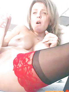 OMBLIVE hunnies need their pussy to be blasted PLAY NOW