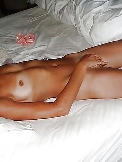 Dutch amateur milfs show their masturbation pleasure