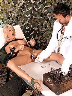 Порно фото с медицинскими инструментами фото 498-399