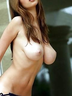84 Hot babes